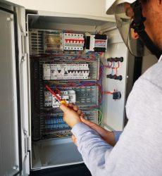 révision des procédures de l'habilitation électrique BS BE manœuvre