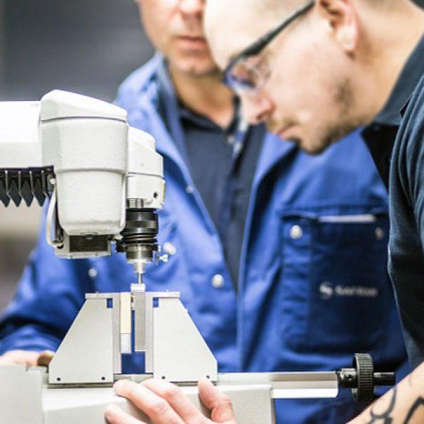 Sensibilisation aux risques mécaniques en milieu industriel ... Satisfaire à l'ensemble des conditions pour obtenir l'habilitation mécanique M0 par l'employeur.