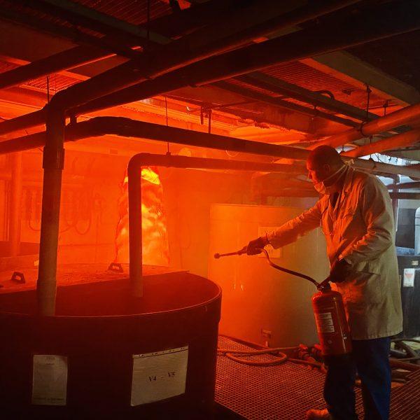 reagir en cas de feu pour utiliser les extincteurs et evacuer