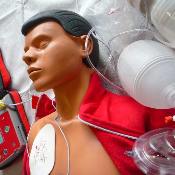 Mannequin, bouteille à oxygène Alertis Lyon