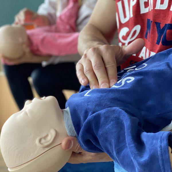 apprendre les gestes de premiers secours en crèche
