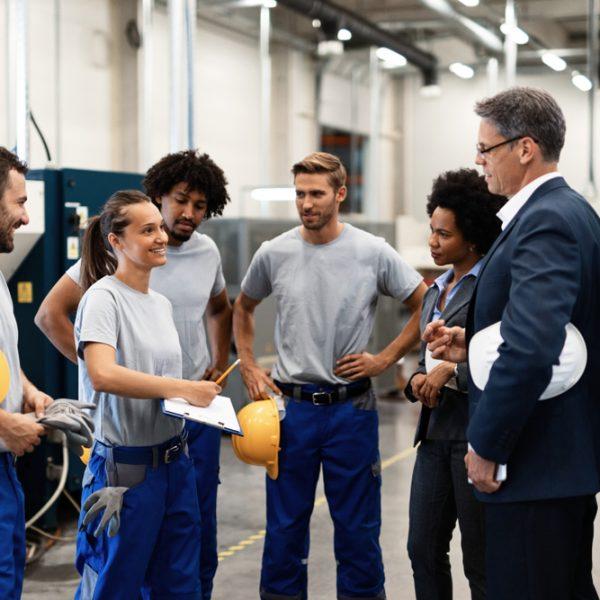 effectuer des exercices pour s'échauffer dans les entreprises ou les chantiers